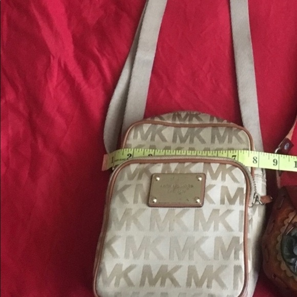 Michael Kors Accessories - Michael kors purse